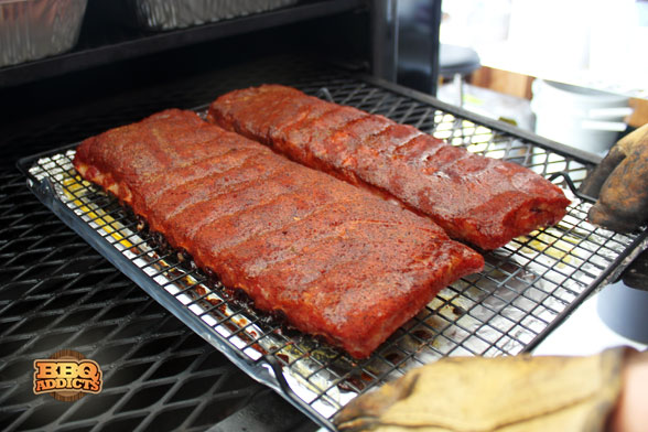 EAT Barbecue - Ribs out of the pit